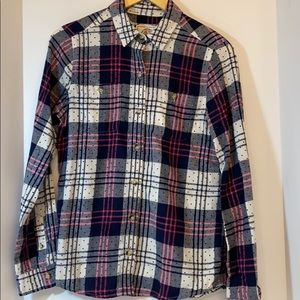 Authentic American Heritage SO Perfect Shirt  (M)